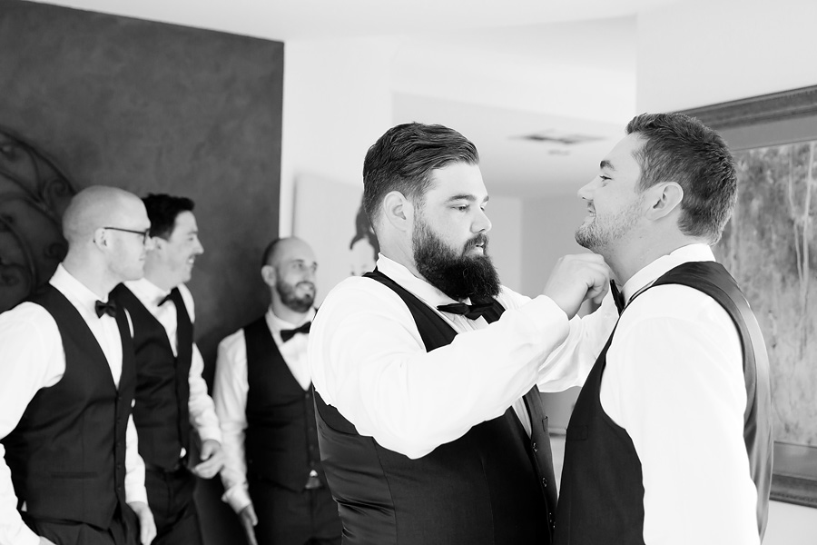 the-groomsmen-getting-ready